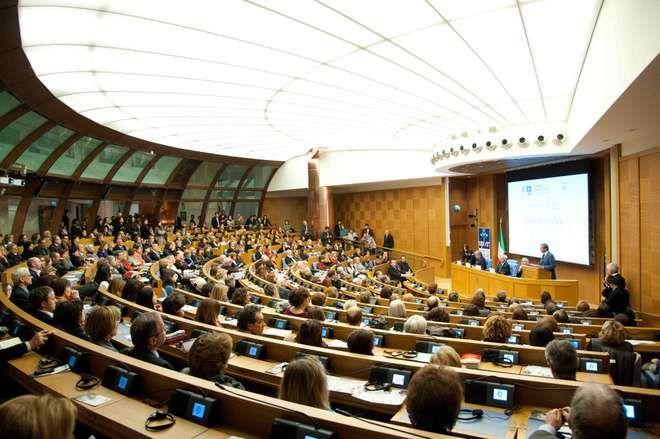 Il 50% dei gruppi alla camera ha meno di 20 membri http://blog.openpolis.it/2017/04/03/il-50-dei-gruppi-alla-camera-ha-meno-di-20-membri/14854#more-14854