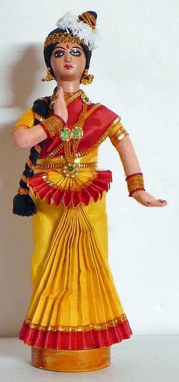 Mohini Attam Dancer (Cloth)) http://www.androidinfosys.com/