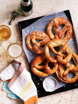 // Pretzels: Yummy Creations, German Pretzels, Gourmet Travel, Eating, Pretzels Recipes, Soft Pretzels, Foodnom Nom, Drinks, Delicious Food