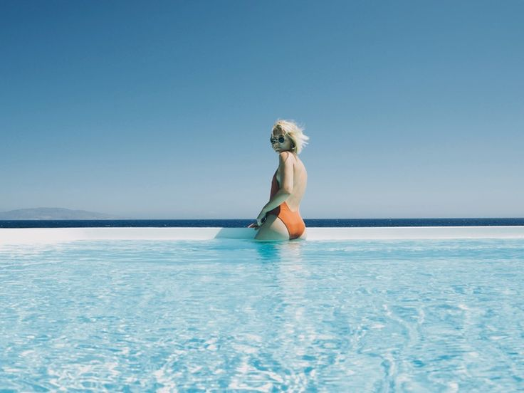 Favorite airbnb - Santorni, Greece!