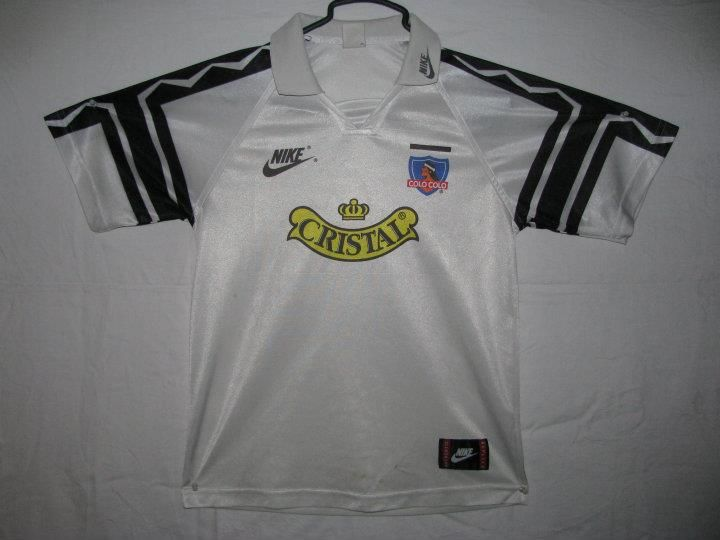Colo Colo circa 1997 - Nike at its beginning in soccer kits...