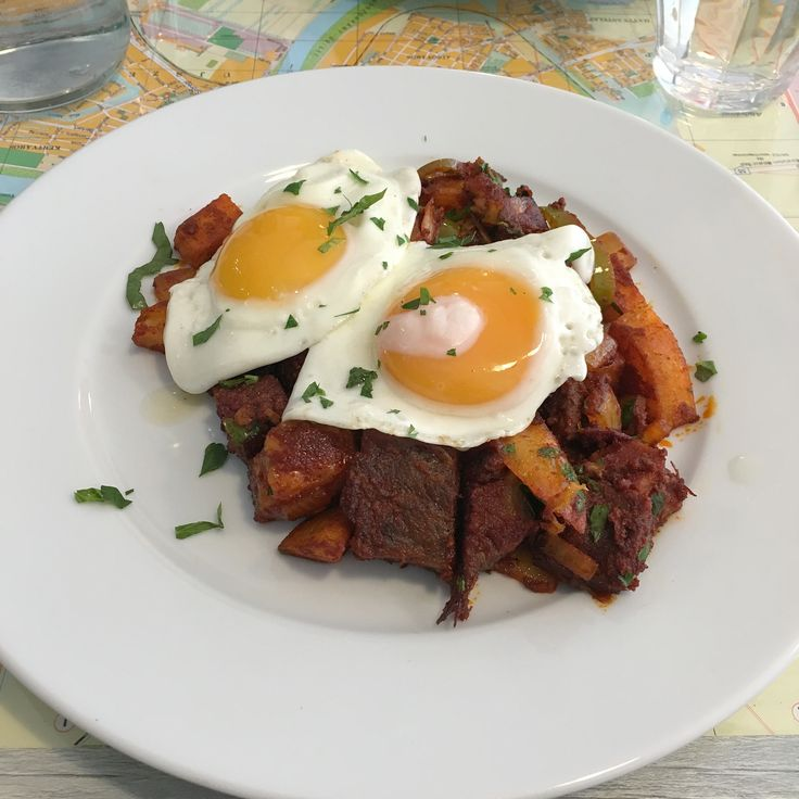 https://flic.kr/p/EvMrjp | Salted Beef Hash | Aron's Jewish Delicatessen - Bristol