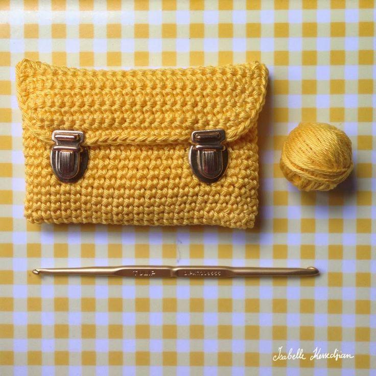 Isabelle Kessedjian: Une mini pochette au crochet.