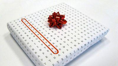Pacchetto regalo originale con cruciverba, molto particolare. #pacchetti #pacchetto #regalo #regali #originali #Natale #compleanno #incartare #criuciverba #parole