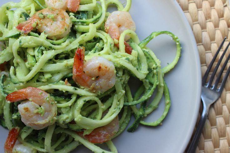 Courgetti is helemaal hot & happening en dat is met een reden. Weinig calorieën maar wel echt héél lekker. Deze variant moet je echt proberen. Romig maar lekker fris!