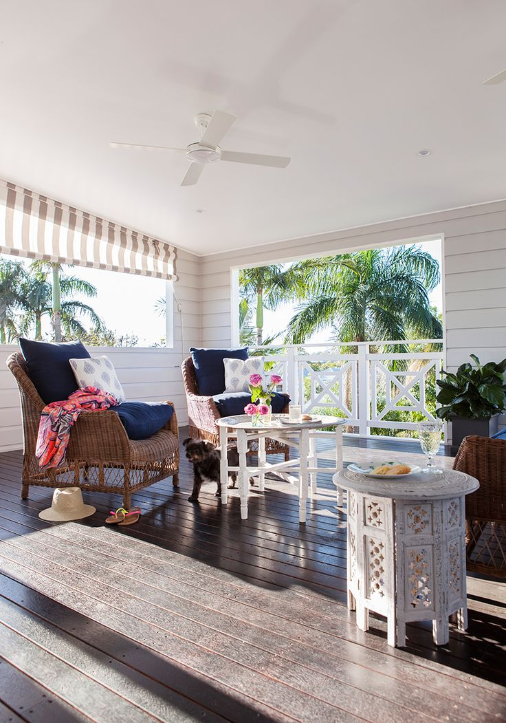 This outdoor entertaining area by Rylo Interiors embodies Queensland's laid-back lifestyle. {Photo: Elouise van Riet-Gray}