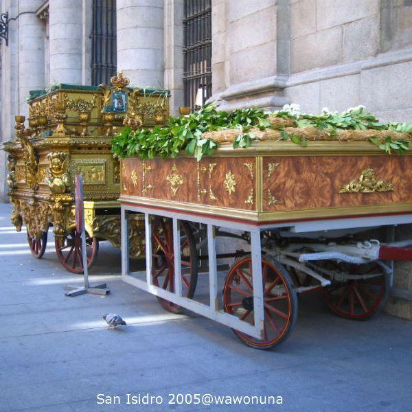 San Isidro Madrid 2007/ Procesión de la iglesia de San Isidro #sanisidro #fiestasmadrid #procesiones #fotodecalle #fotodeldia #ig_gallery #themadridbible #callejero #streetphotomadrid #streetphotographer #photooftheday #vidamadrid #Madrid #madridtme #instamadrid #igersmadrid #ok_madrid #madridgrafias #madridmemola #madridmemata #loves_madrid #ig_madrid #igers #españa #instaespaña #vista #instamemory #tbt #マドリード