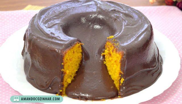 Esse bolo é muito parecido com o Bolo cascata de chocolate que já temos aqui no blog, a única diferença é que o bolo dessa vez é de cenoura...