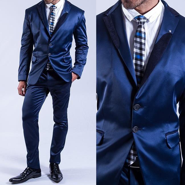 El azul es otro de los colores tendencia para los trajes pues están muy de moda y quedan genial tanto para ir a trabajar como para una ocasión especial. #Man #Trajes #FashionMan #Style #Gentlemen