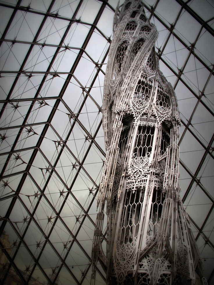 Wim Delvoye modern sculpture exhibit at the Louvre