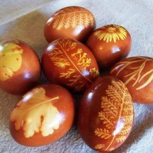 kraslice, barvení vajíček, j obarvit vejce, cibulová vajíčka, velikonoční vejce, velikonoční dekorace, barvení vajec, barevné vajíčka