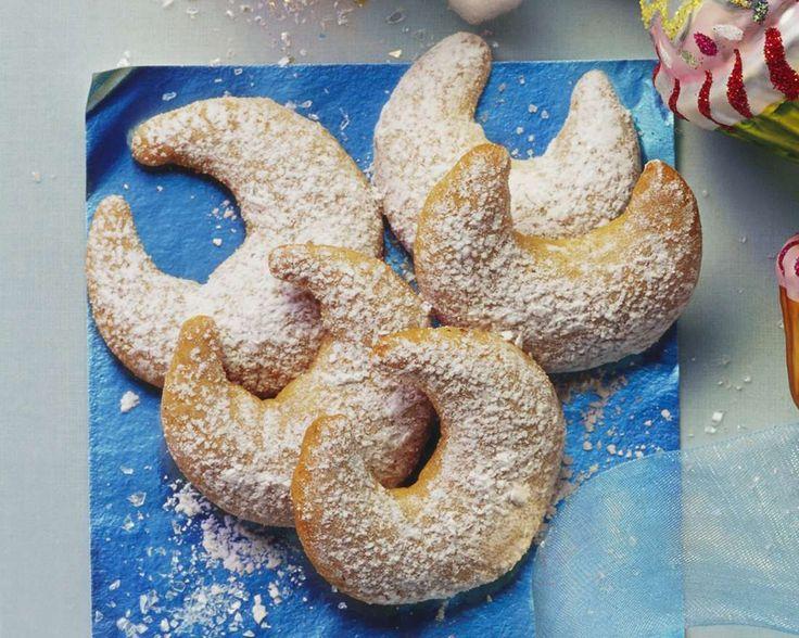Lebkuchen-Kipferl für alle die sich zwischen Kipfel und Lebkuchen nicht entscheiden möchten :) | Zeit: 1 Std. 10 Min. | http://eatsmarter.de/rezepte/lebkuchen-kipferl