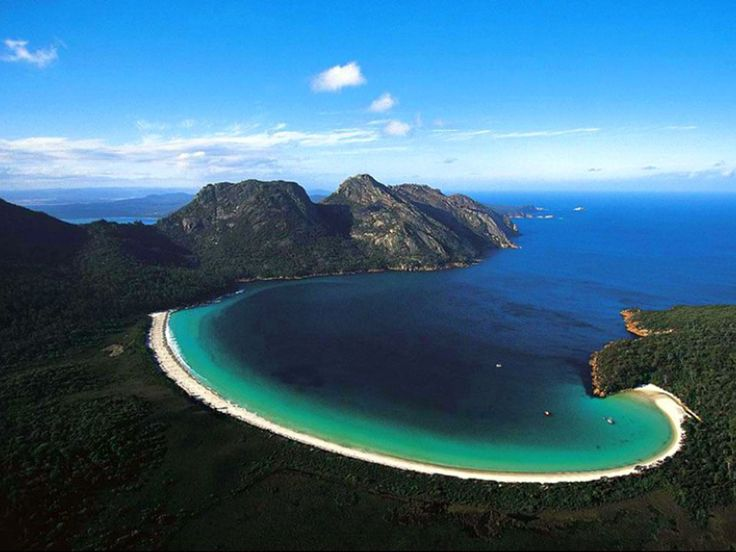 Wineglass Bay   Yasmania Australia