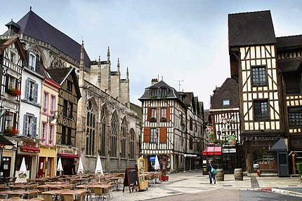 C'est dans la région du Champagne que l'on pose nos valises cette semaine, bienvenue à Troyes !