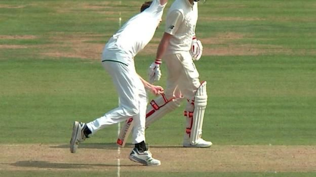 England's Ben Stokes is bowled by South Africa's Morne Mokel but is reprieved as the umpire calls a no-ball. Source link...