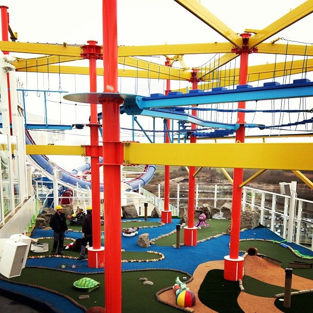 Norwegian Breakaway ropes course Photo by norwegiancruiseline