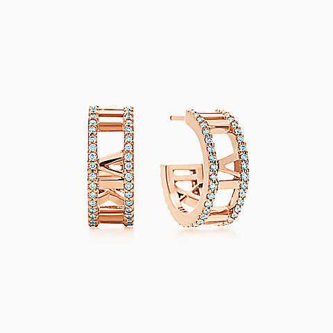 Brincos de argola aberta Atlas™ em ouro rosa 18k com diamantes, pequenos.