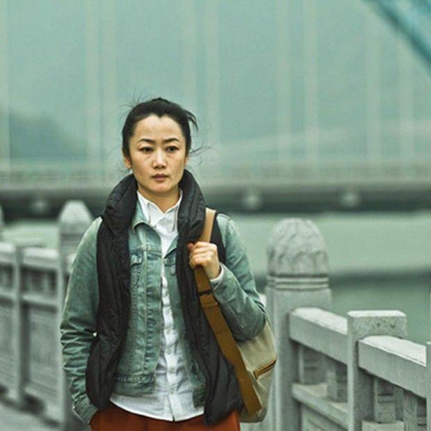Avec « Mountains May Depart », le réalisateur chinois Jia Zhang-Ke revient à Cannes, deux ans après avoir remporté le prix du scénario pour « A Touch of Sin ». En compétition pour la Palme, « Moutain May Depart » raconte un triangle amoureux. Tao est courtisée par ses deux amis d'enfance. L'un travaille à la mine, l'autre est promis à un bel avenir. Le choix de Tao scellera son destin, et celui de son futur fils Dollar. Qu'en a pensé Florence Ben Sadoun ?…