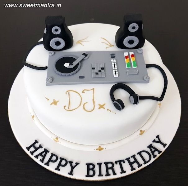 Wondrous Dj Theme Customized Designer Fondant Cake With Dj Panel Speakers Birthday Cards Printable Trancafe Filternl
