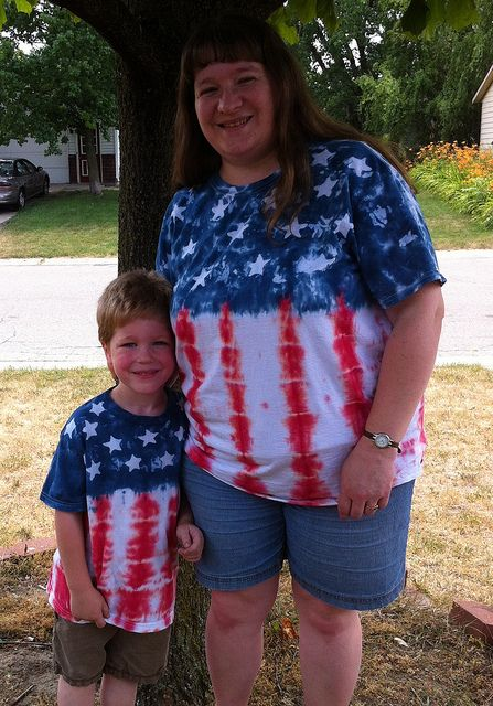 How to do the batik method of tie-dying patriotic t-shirts for July 4th.