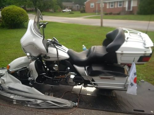 2013 Harley Davidson Electric Glide Ultra Classic FLHTCU, Price:$15,500. Fort Bragg, North Carolina #harleydavidsons #harleys #flhtcu #motorcycles #hd4sale