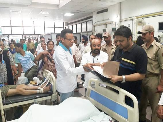 Minister for Health & Medical Education Bali Bhagat during his surprise visit to GMC&H in Jammu.