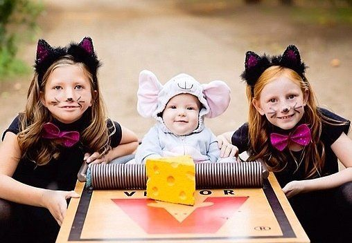 Win Halloween With These 41 Sibling Costume Ideas: Nothing is better on Halloween than a really great matching costume that gets praised not only for its ingenuity and creativity, but also just for being a really fantastic idea that you wish you'd thought of yourself (shower loofas?