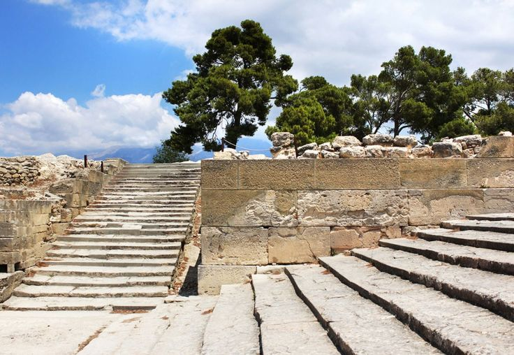 The Landmarks of Crete: The Minoan Palace of Phaestos in #Heraklion.Read more at: http://lifeincrete.com/the-minoan-palace-of-phaestos/ #lifeincrete #phaestos #crete #Minoan #palace #festos  #GalaxyHotelIraklio