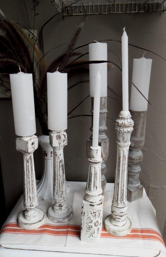 Patas de sillas recicladas en candelabros. https://www.facebook.com/nada.sepierde.5
