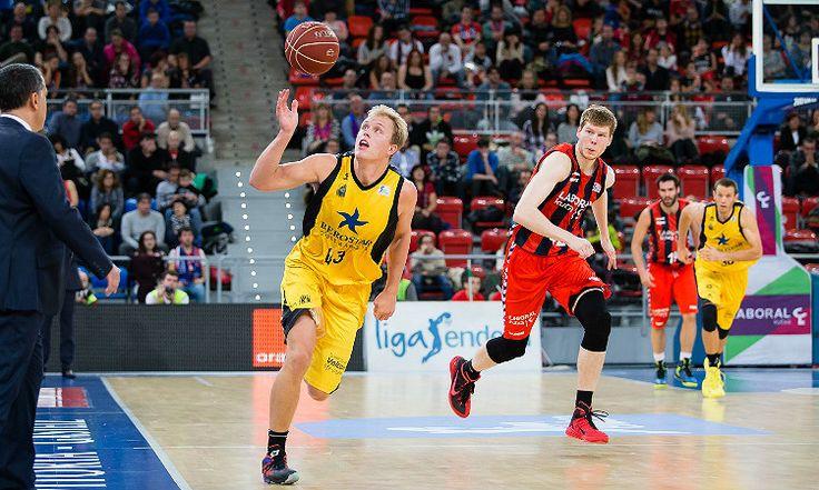 Brutal. Le preguntan a Alejandro Martínez el motivo por el que Sikma sigue en Tenerife y mira lo que contesta... - @KIAenZona #baloncesto #basket #basketbol #basquetbol #kiaenzona #equipo #deportes #pasion #competitividad #recuperacion #lucha #esfuerzo #sacrificio #honor #amigos #sentimiento #amor #pelota #cancha #publico #aficion #pasion #vida #estadisticas #basketfem #nba