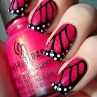 Butterfly Wing Nails - I don't especially want to invest in airbrush supplies, but I bet I could do this with a fine tip paintbrush and a dotting tool.