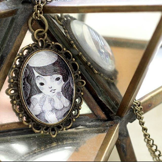 Well, I'm back with some goodies you'll see soon :)...  .  .  .  #illustration #cameo #fairytale  #pencil #drawing #photography #pendant #jewelry #handmade #etsy #canellacrafts #necklace #crafts #craft #instacraft #instaartist #instagood #girl