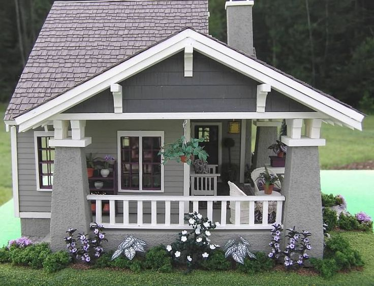 Avalon House: miniature craftsman bungalow - Susan's Miniatures -- side porch