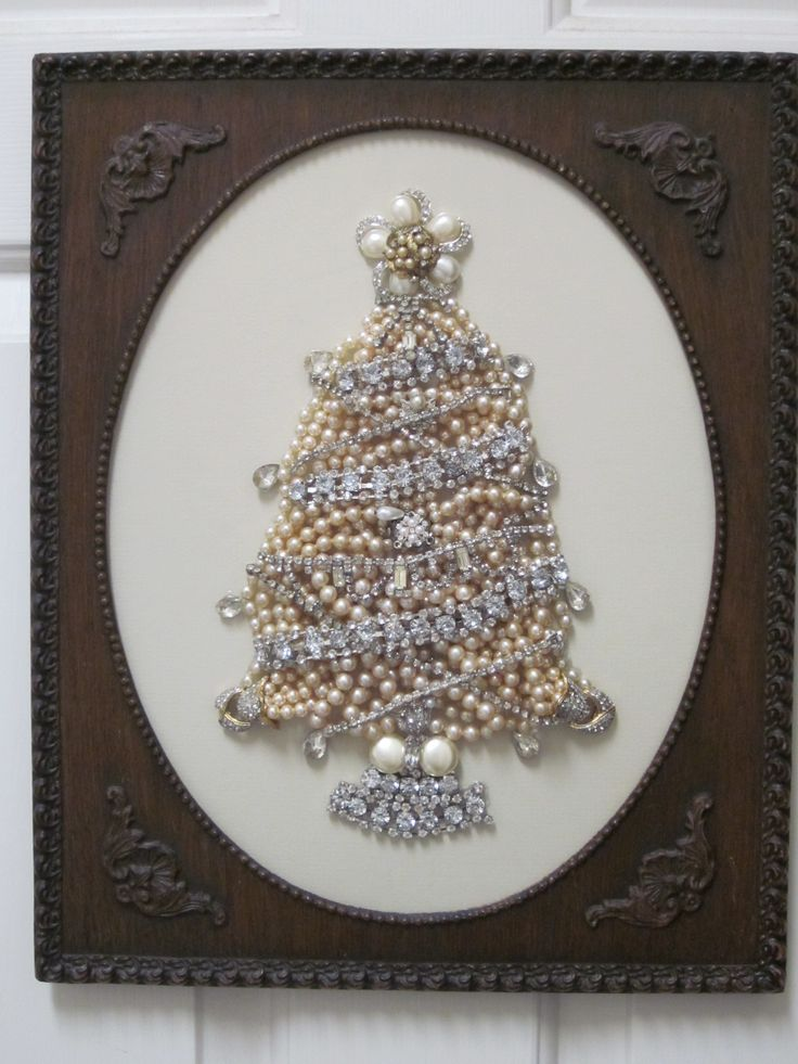 Christmas tree made from pearl jewelry.