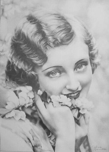 Portrait, chiaroscuro, pencils on paper.  www.facebook.com/limaelabor #draw #drawing #pencils #art #chiaroscuro #portrait #vintage #eyes #flower