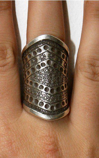 Beautiful!Heart Mi Style, Post, Heartmi Style, Silver Chunky, Metals Inspiration, Big Silver, Costume Jewelry, Pretty Silver Armor Rings, Jewelry Rings