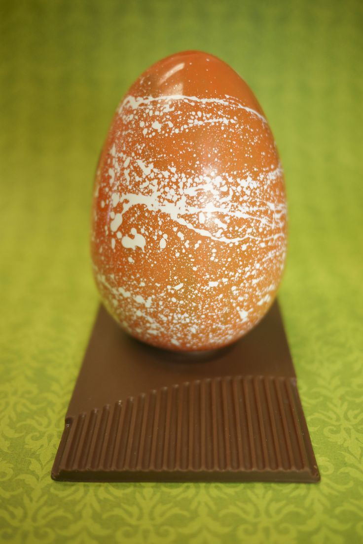 Say hello to our new handcrafted milk chocolate easter egg!