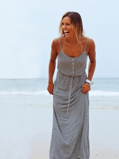 Love the Roxy dress. And the watch. And Sally Fitzgibbons is great too. :)