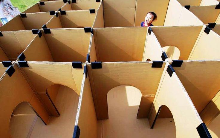 Brincadeiras pra fazer em casa: labirinto feito com caixas de papelão-brincadeiras-crianças