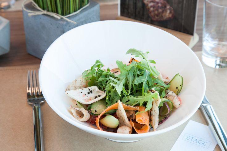 Салат с кальмарами, красной фасолью и овощами - пошаговый рецепт с фото: Вкусный и красивый. - Леди Mail.Ru