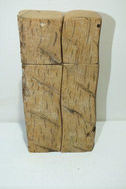 Jonas Langer fertigt individuelle praktische Holzkunst in Handarbeit wie Pfeffermühle, Salzmühle, Muskatmühle, Gewürzmühle in freier Form. Jedes ein Einzelstück in edlem Design. Nicht nur das Holz ist ein Unikat sondern auch jede Form. Darüber hinaus werden weitere Einzelstücke aus edlem Holz, wie Eibe, Walnuss, Eiche, Apfel, Birne, Zwetschge, ... gefertigt