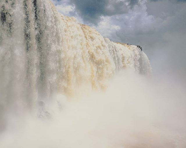It is impossible to describe this picture you have to see it with your own eyes. The Iguazu Waterfalls are so impressive....  . . . #iguazu #waterfall #hiking #river #backpacker #brasil #southamerica #discoversouthamerica #travel #travelphotography #travelgram #passionpassport #neverstopexploring #earthpix #thegreatoutdoors #nature #lifeofadventure #mothernature #letsgosomewhere #picoftheday #landscape #landscapephotography #wanderlust #ourplanetdaily #stayandwander #backpackersjournal…