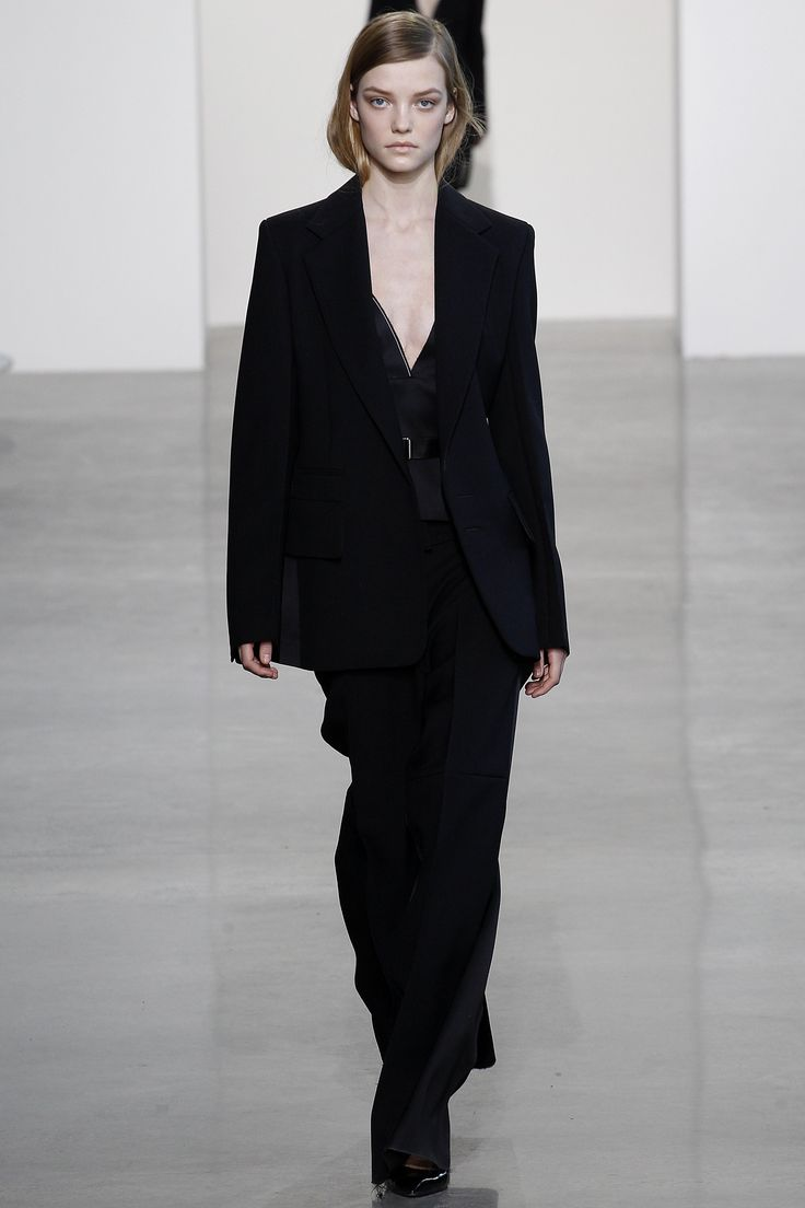 Calvin Klein Collection Fall 2016 Ready-to-Wear Fashion Show - Roos Abels