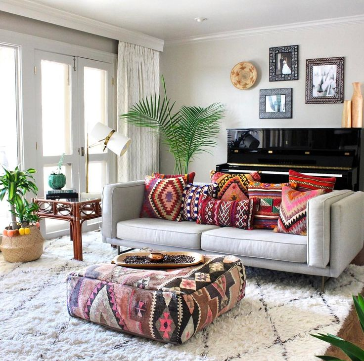 Global style done right! #CrazyForKilim
