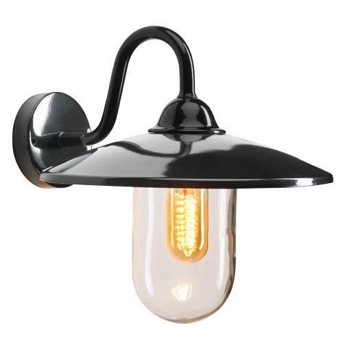 De Brig is een ideale buitenlamp, de lamp zorgt rondom huis en tuin voor sfeervolle en functionele verlichting. De wandlamp is voorzien van helder glas waardoor het licht optimaal tot uiting komt. Eenvoudig aan de wand te bevestigen.