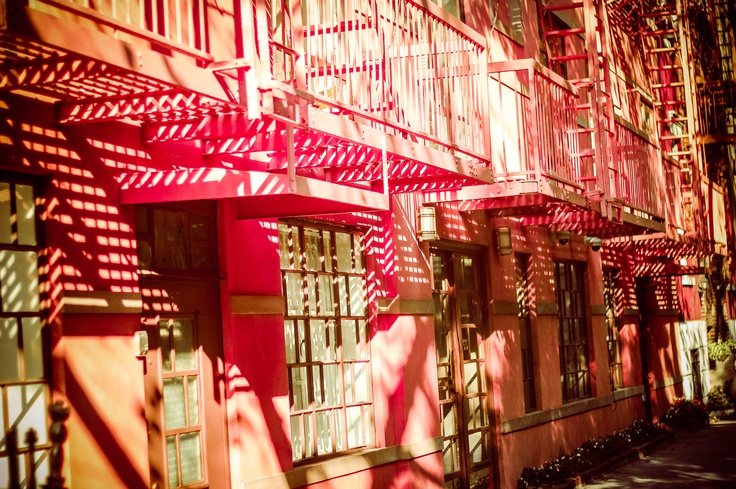 Doll House.. Pink.!