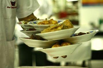 nasi padang, typical way of serving the food