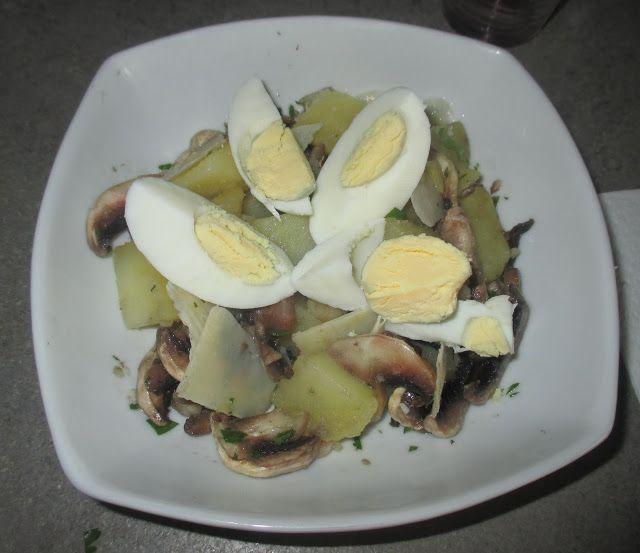 FORNELLI IN FIAMME: SALAD OF EGGS, POTATOES AND CHAMPIGNONS MUSHROOMS (RECETTE AUSSI EN FRANCAIS) - Insalata di uova sode con patate e champignons