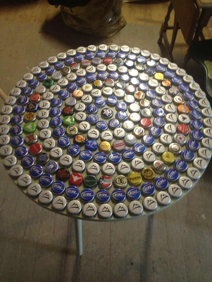 repurposed side table with beer caps diy pinterest. Black Bedroom Furniture Sets. Home Design Ideas