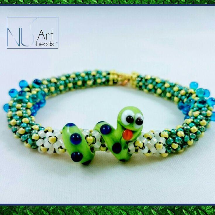 Beadwork bracelet with lampwork bead